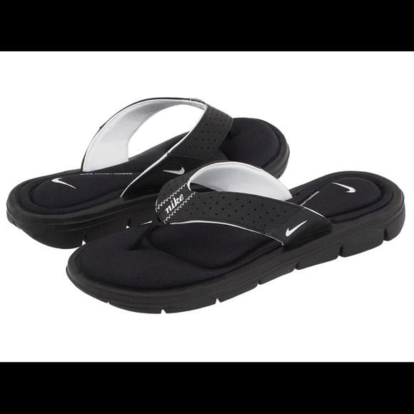 9a61cfc49 Nike cushion flip flops. M 5c3aa61e0cb5aaab9c96e97e